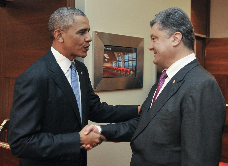 Избранный президент Украины Петр Порошенко и президент США Барак Обама