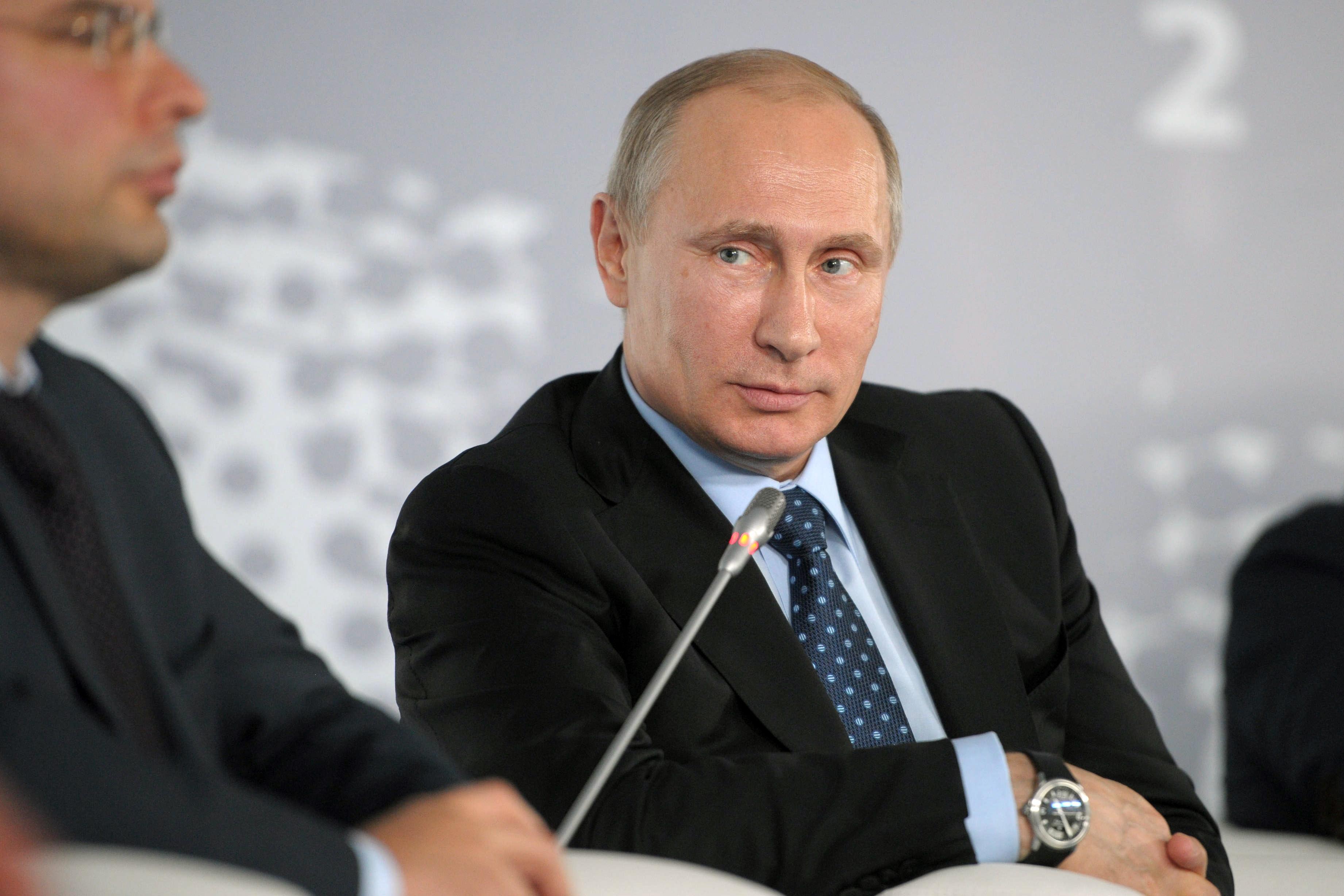 """Владимир Путин во время форума """"Интернет-предпринимательство в России"""""""