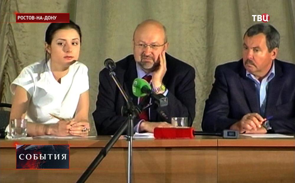 Генсек ОБСЕ Ламберто Заньер на встрече с беженцами с Донбаса