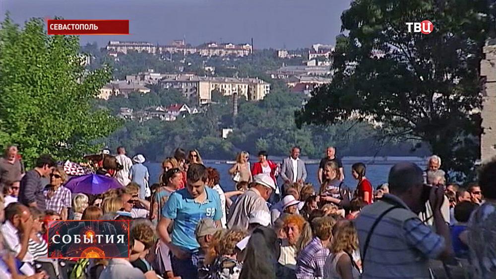 Жители Севастополя