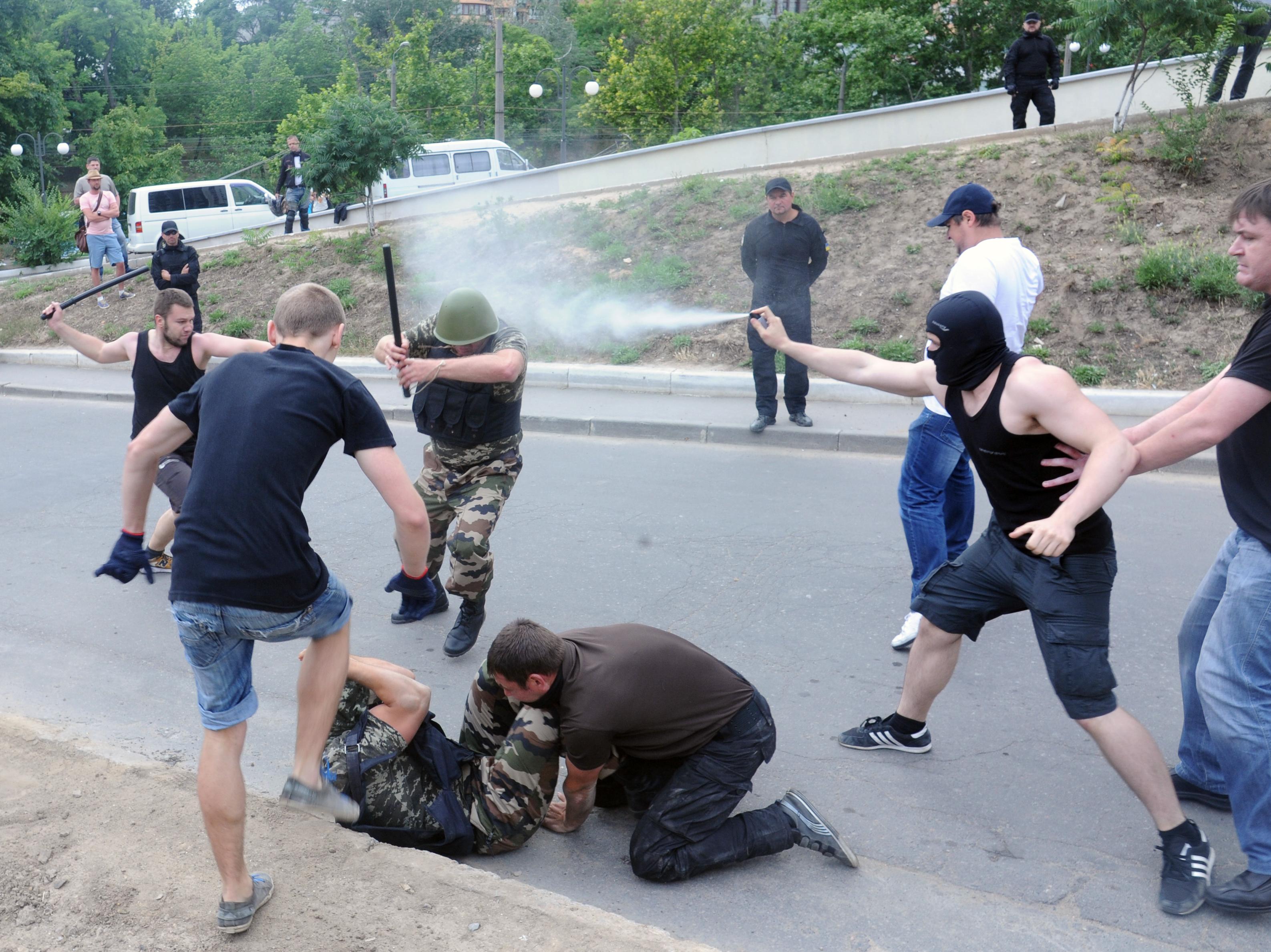 Беспорядки у здания российского консульства в Одессе