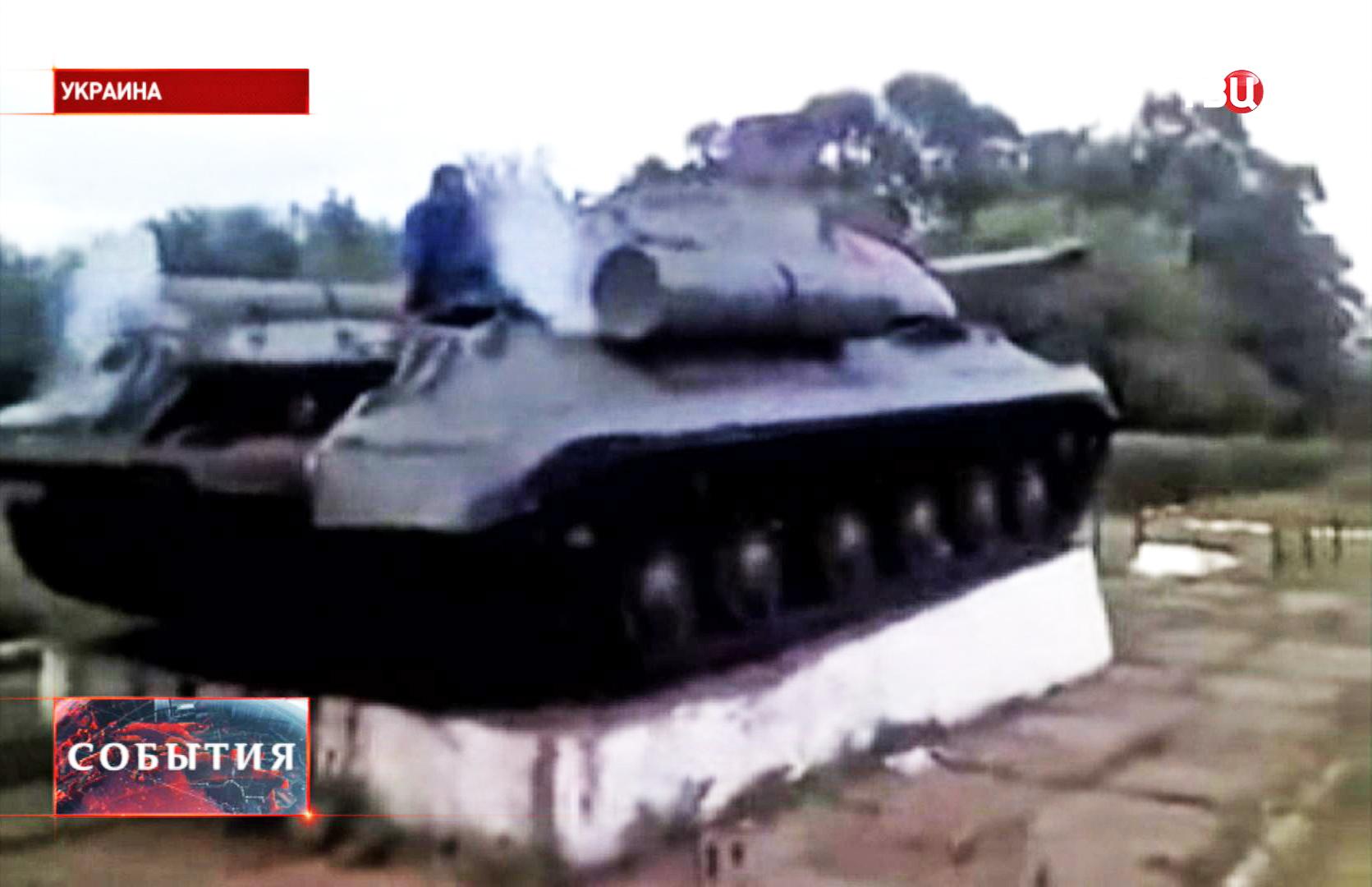Запуск двигателя танка ИС-3