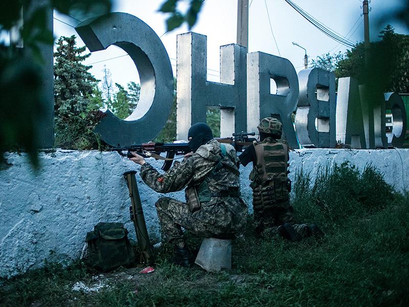 Ополченцы на боевом дежурстве в Славянске