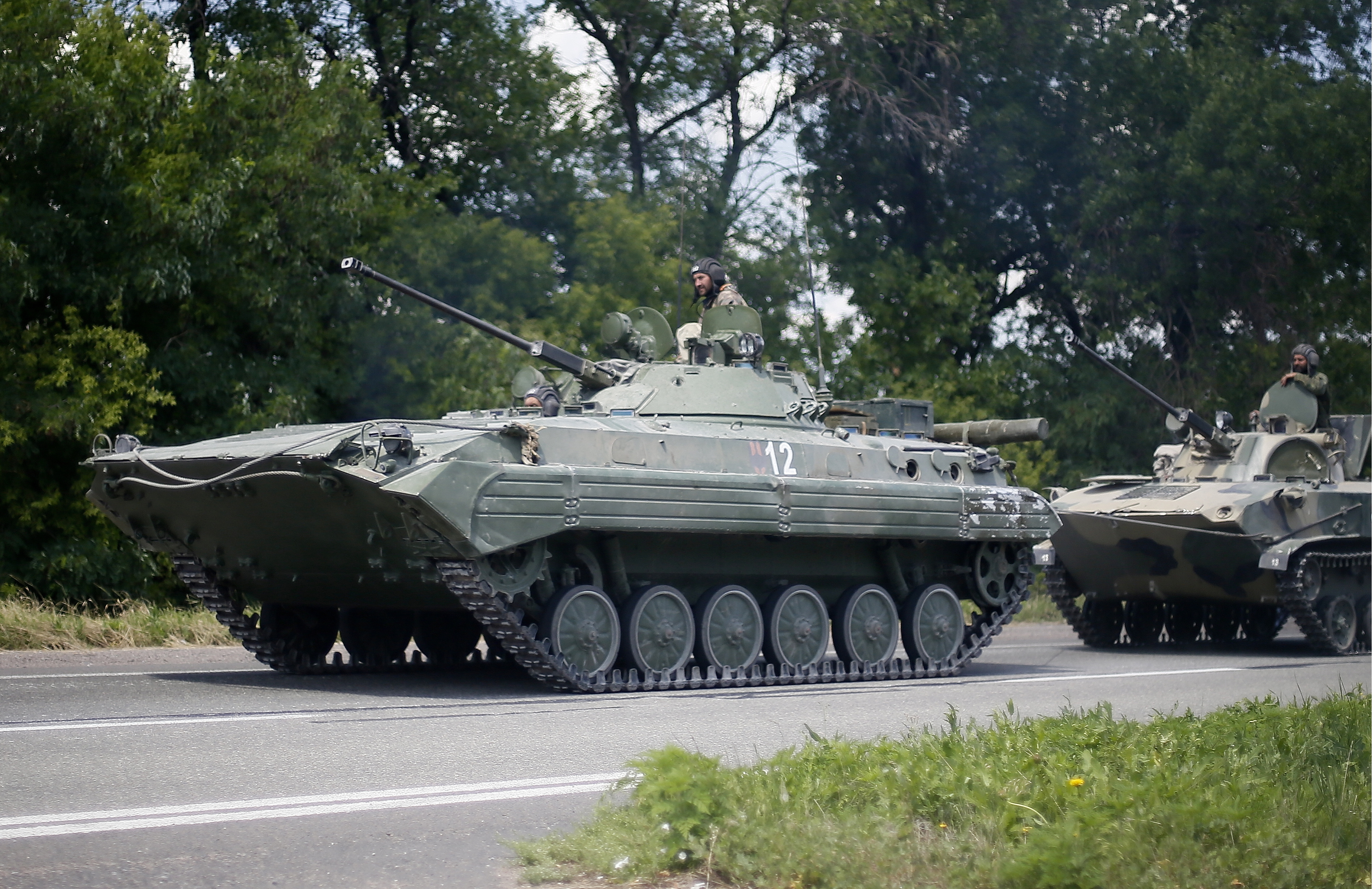 Колонна военной техники народного ополчения Донбасса