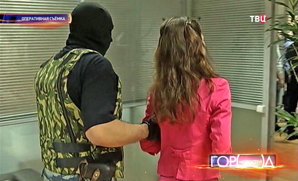 Полиция проводит задержание