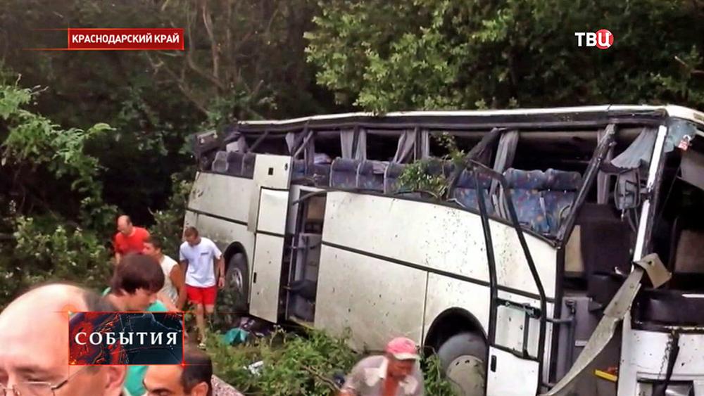 Автобус попал в ДТП в Краснодарском крае