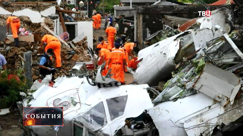 Последствия крушения пассажирского самолета