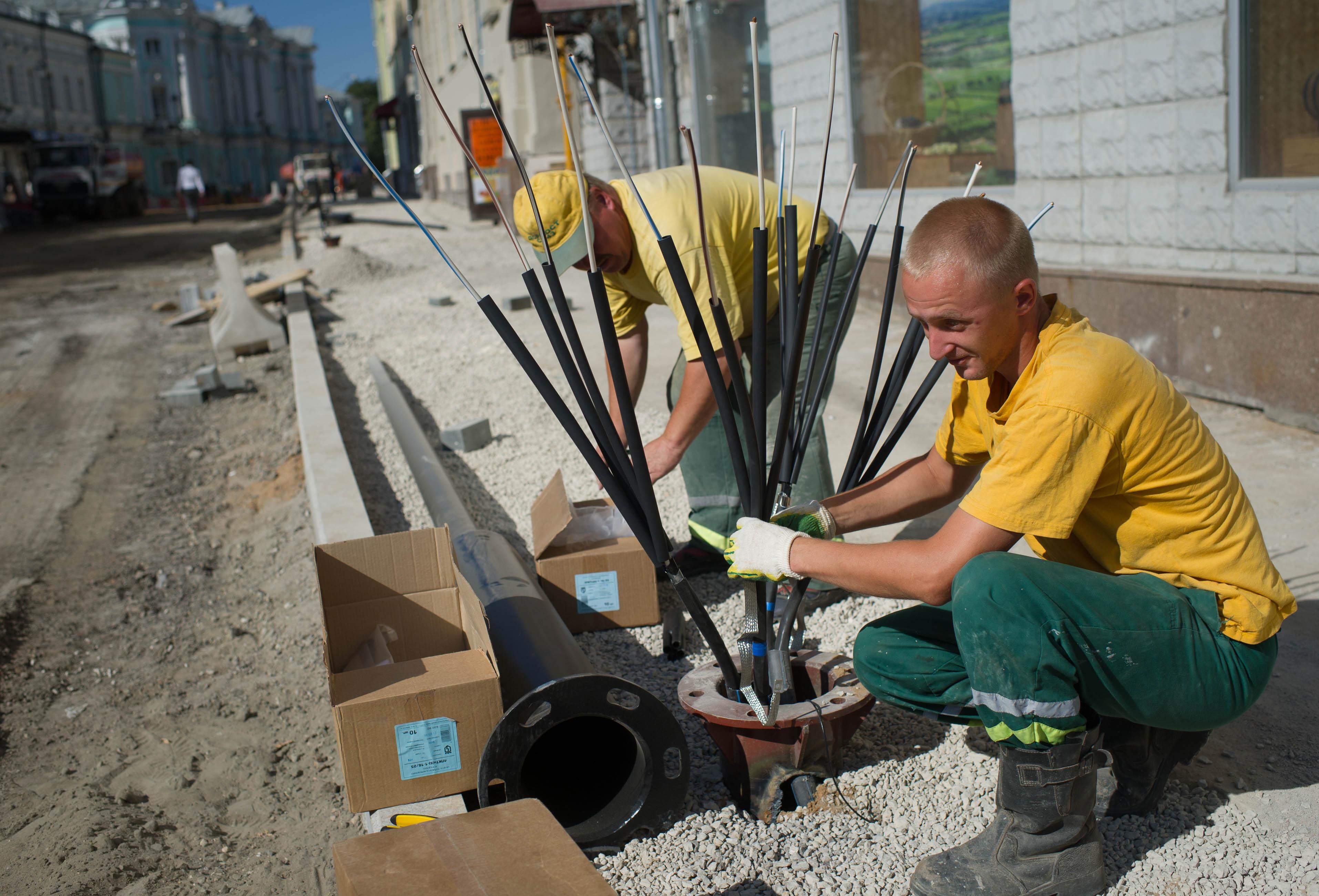 Строительство пешеходной зоны в Москве