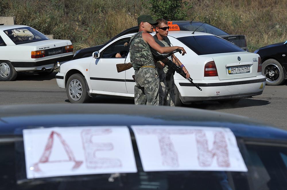 Ополченцы контролируют подъезд к пограничному пункту пропуска на российско-украинской границе