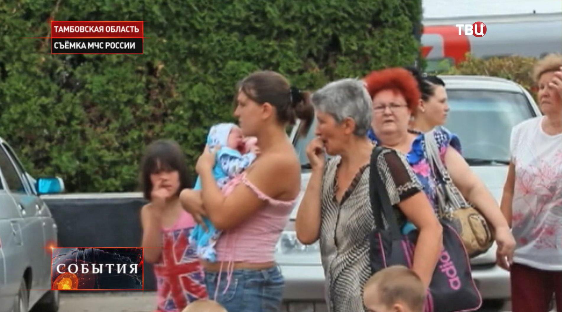 кто лично знаком с беженцами украины