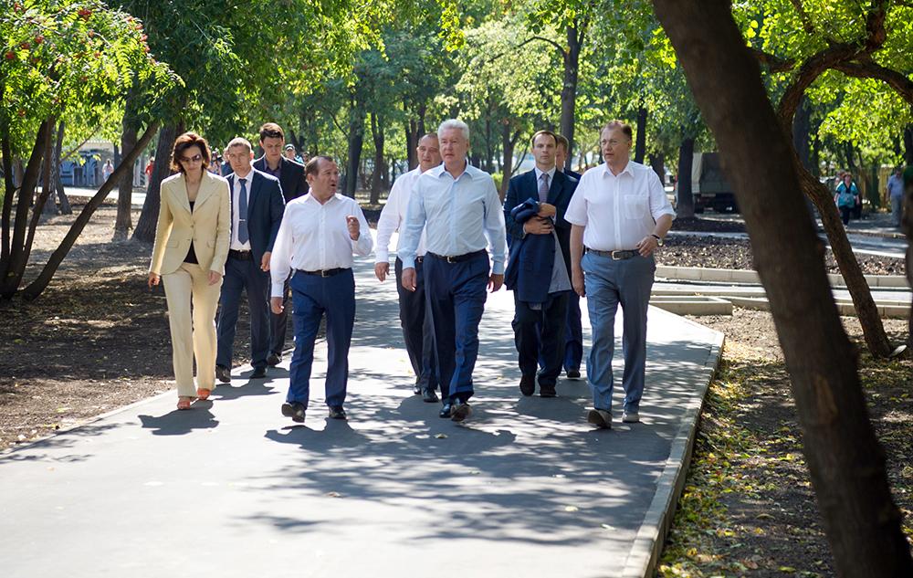 Осмотр новой пешеходной зоны Сергеем Собяниным