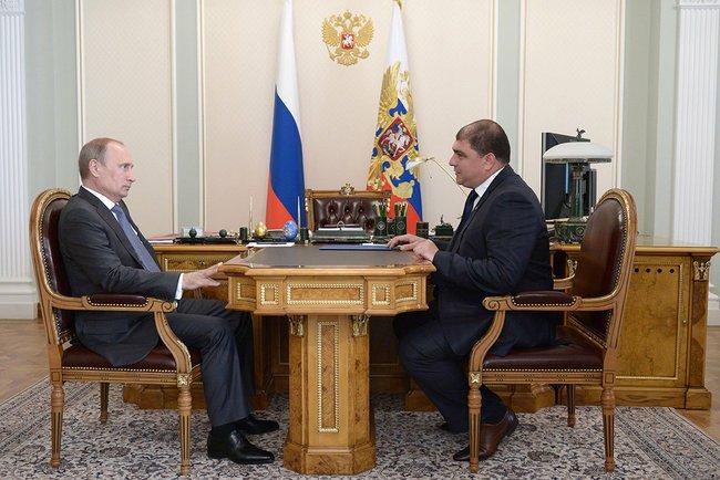 Президент России Владимир Путин и и. о. губернатора Орловской области Вадим Потомский