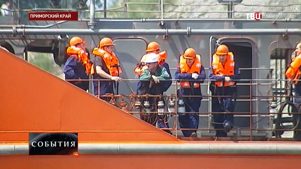 """Экипаж нового танкера """"Сахалин"""""""