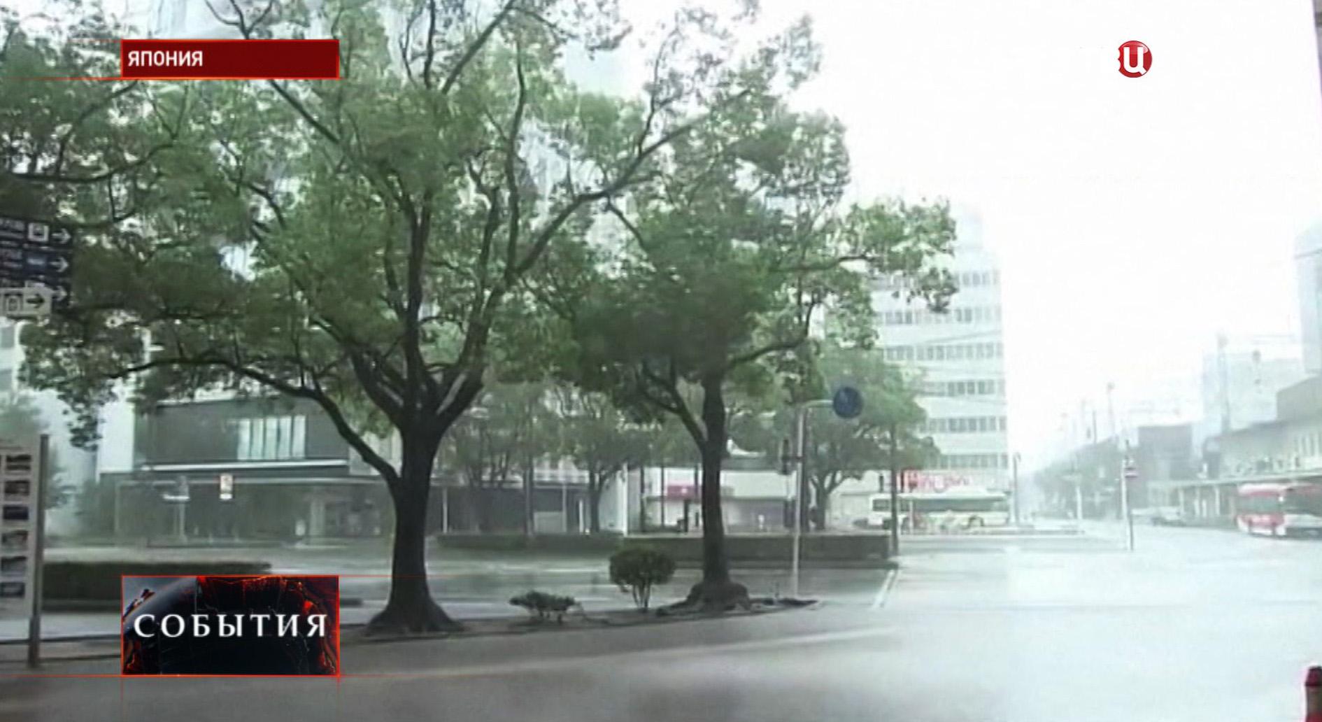 """Тайфун """"Халонг"""" в Японии"""