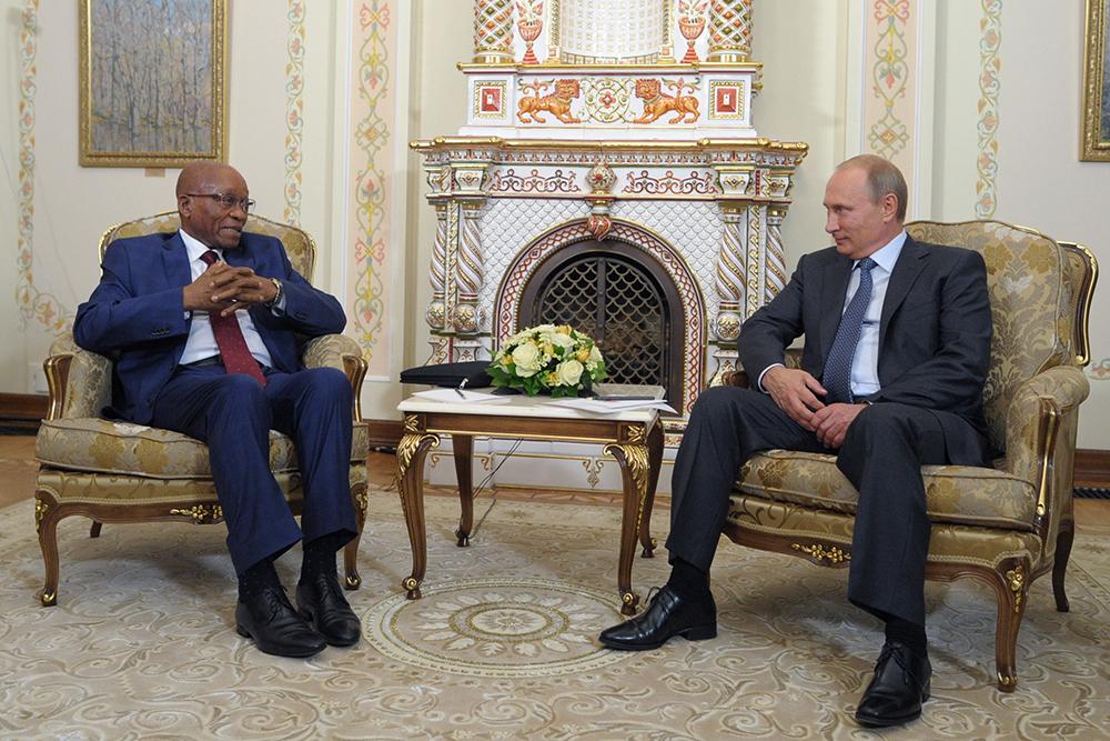 Президент ЮАР Джейкоб Зума и президент России Владимир Путин во время встречи