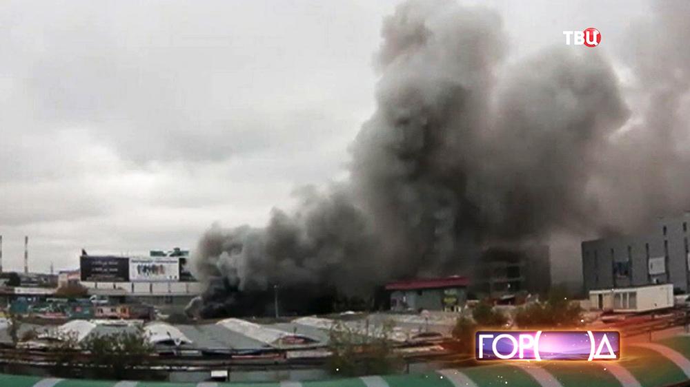 Черный дым от пожара