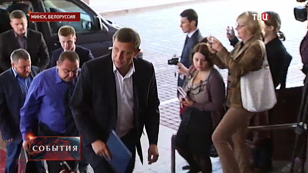 Премьер-министр ДНР Александр Захарченко перед началом заседания трехсторонней контактной группы по урегулированию ситуации на востоке Украины