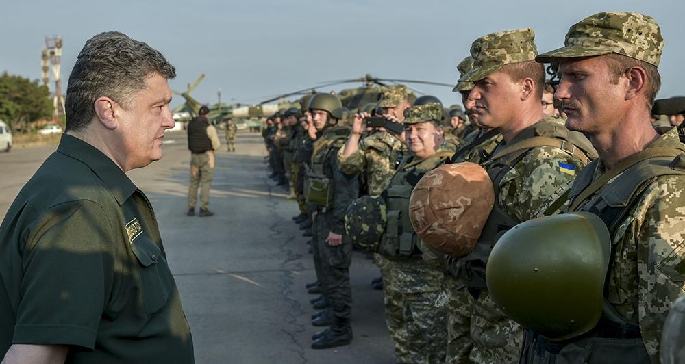 Президент Украины Петр Порошенко на встрече с военнослужащими