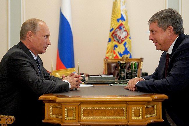 Президент России Владимир Путин и Александр Богомаз во время встречи