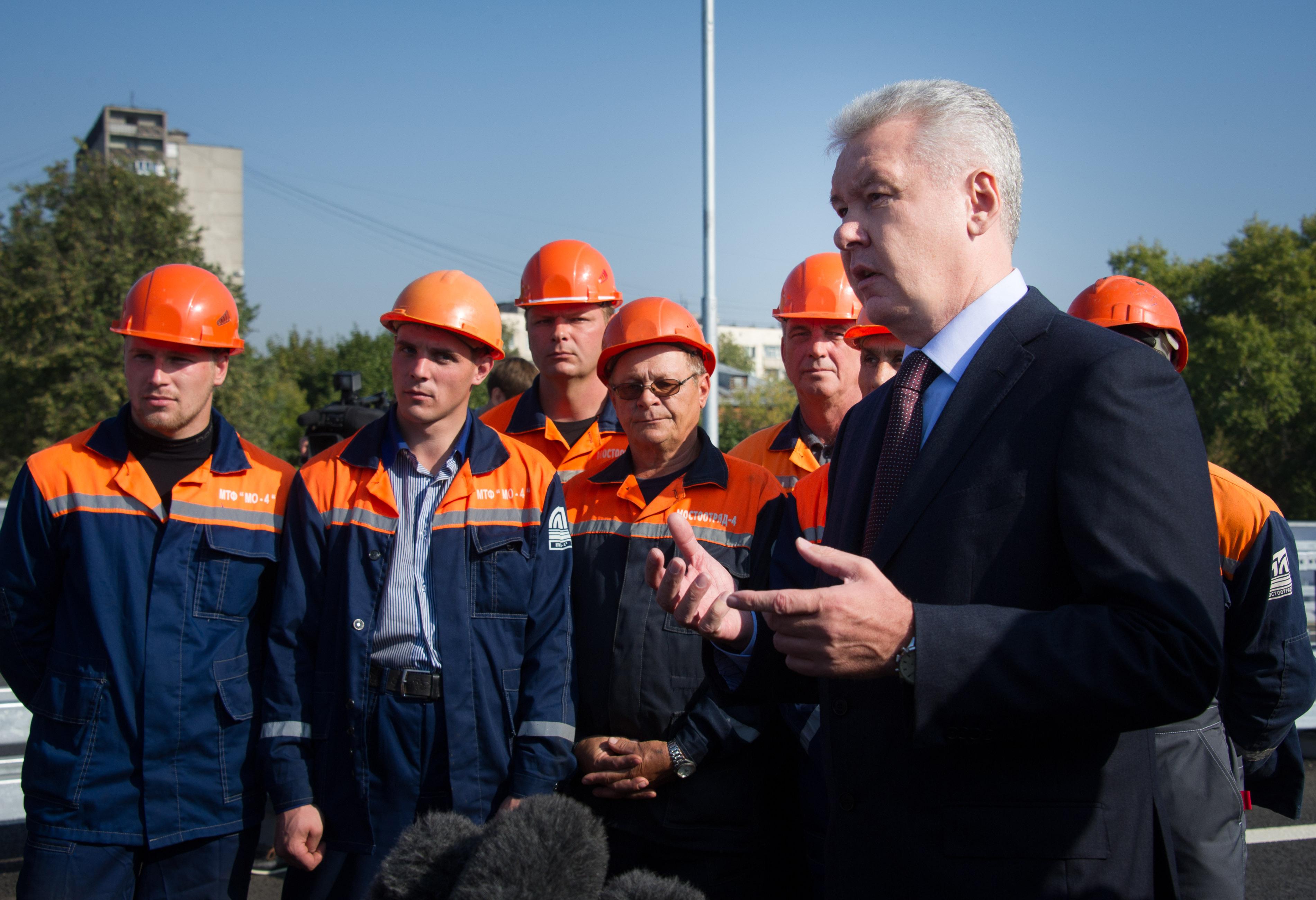 Сергей Собянин на открытии движения по эстакаде на Можайском шоссе