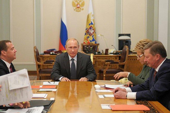 Владимир Путин провел заседание Совбеза РФ
