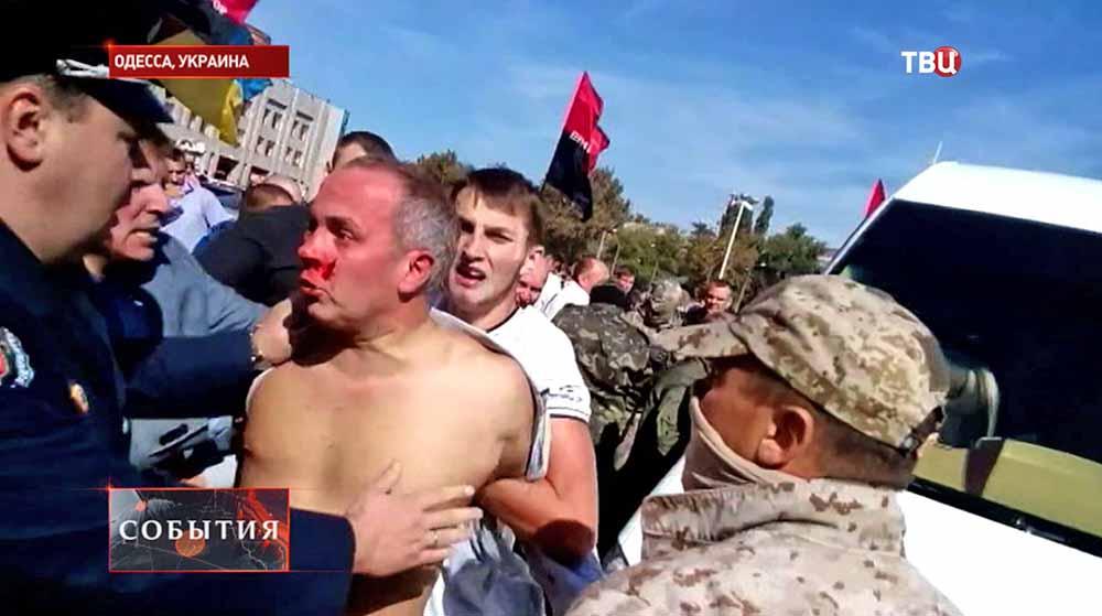 Украинские радикалы избили депутата парламента Украины Нестора Шуфрича