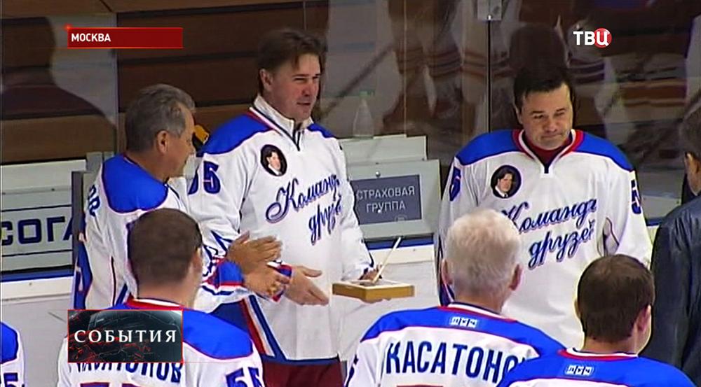Хоккеист Алексей Касатонов отметил 55-летие
