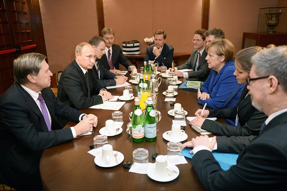 Президент России Владимир Путин провел встречу с Федеральным канцлером Германии Ангелой Меркель