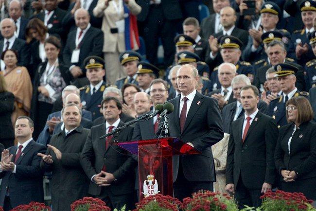 Президент России Владимир Путин выступил на военном параде «Шаг победителя», посвящённому 70-летию освобождения Белграда от немецко-фашистских захватчиков