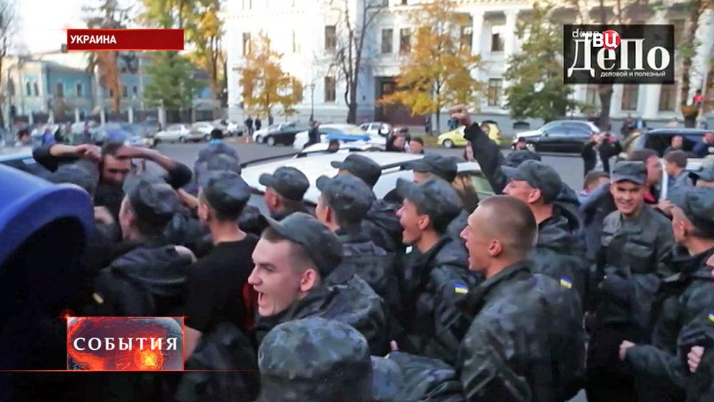 Митинг срочников Нацгвардии Украины