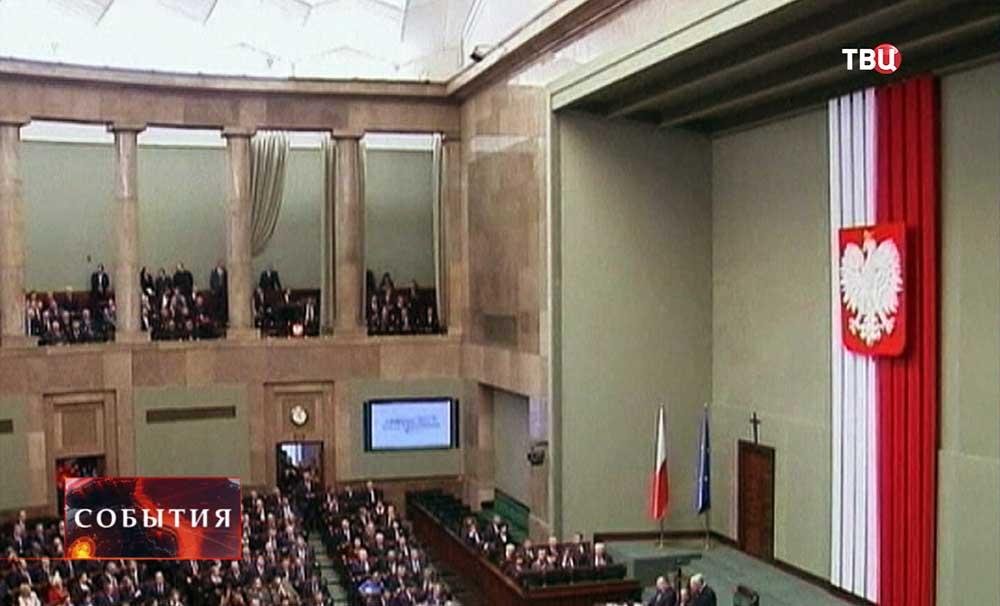 Зал заседаний сейма Польши