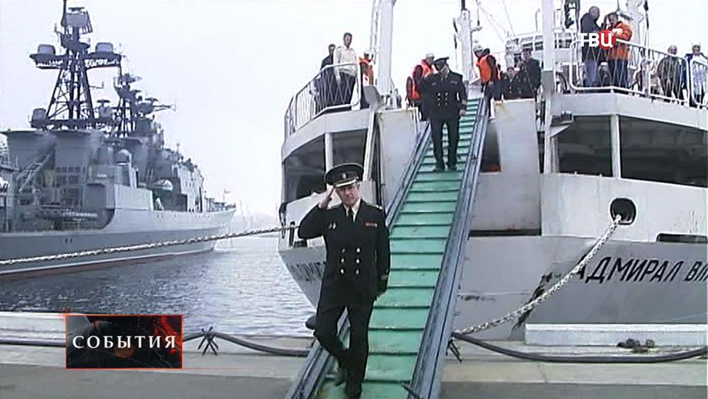 """Капитан исследовательского судна """"Адмирал Владимирский"""""""