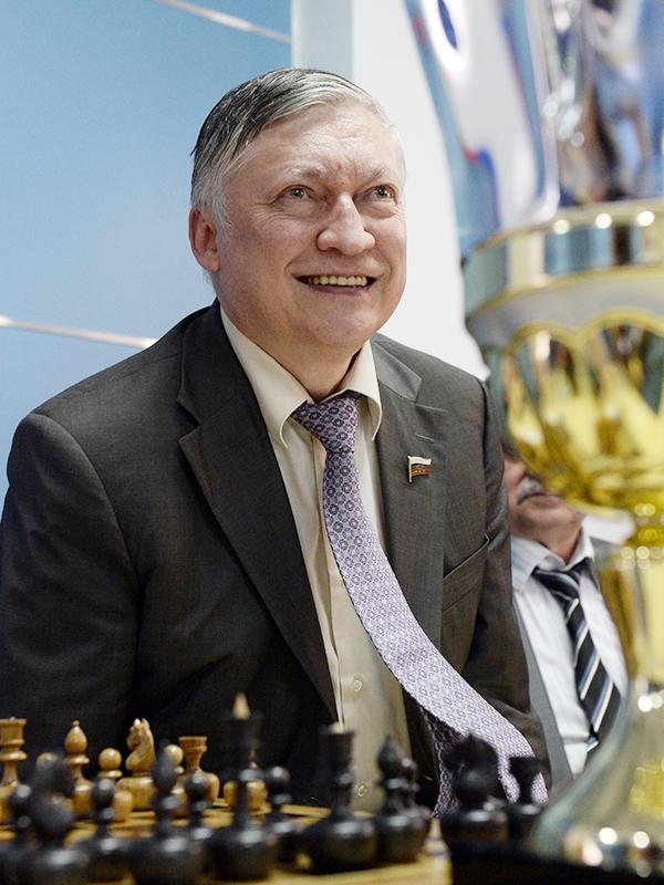 карпов шахматист фото держится перманентный макияж