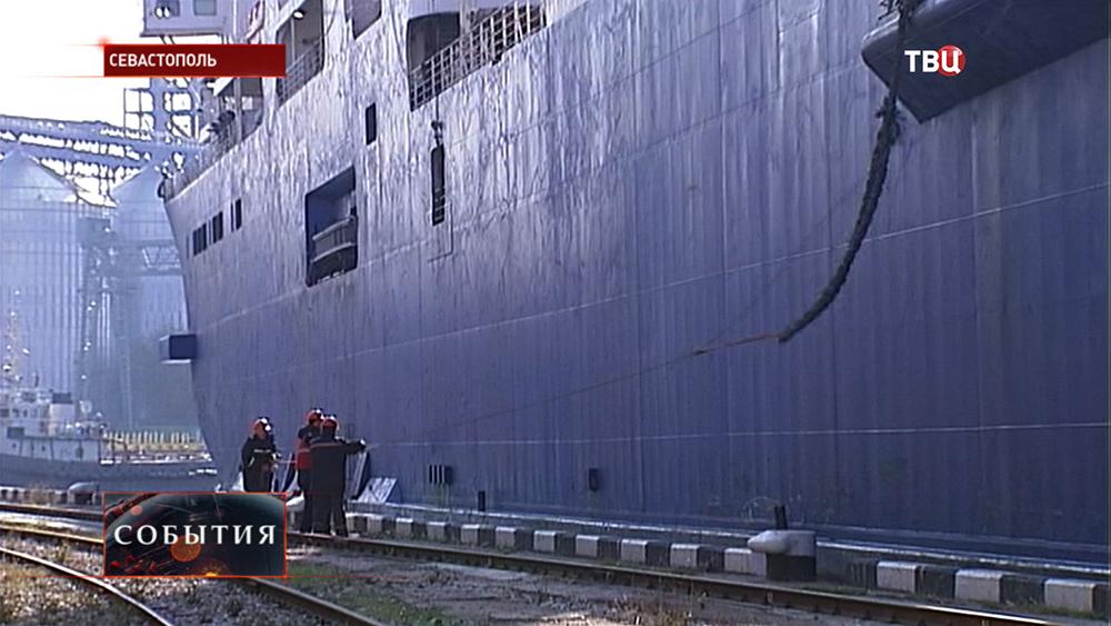 Работа Севастопольского порта