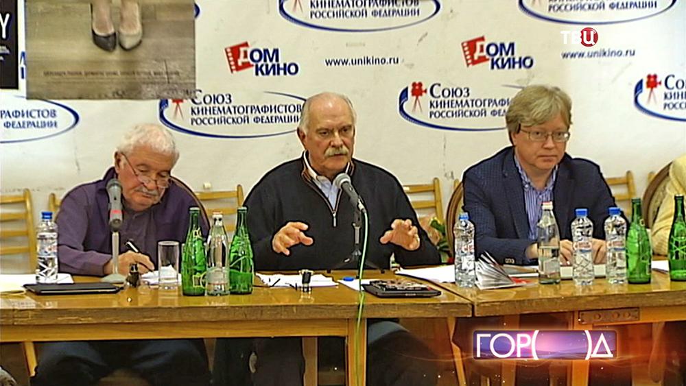 Никита Михалков на заседании Союза кинематографистов