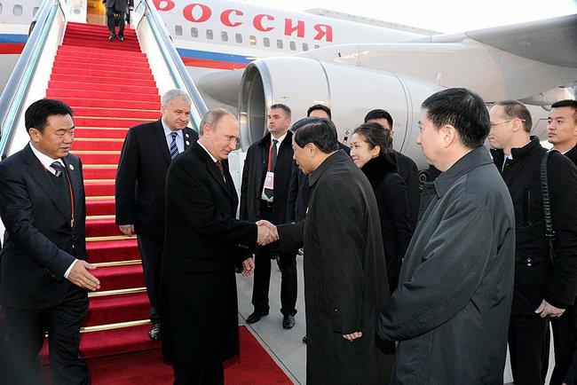 Президент России Владимир Путин прибыл в Пекин