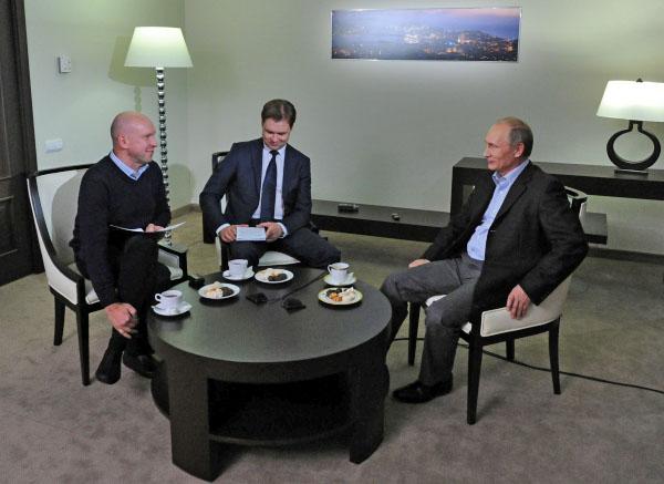 Президент России Владимир Путин отвечает на вопросы журналистов российского информационного агентства ТАСС