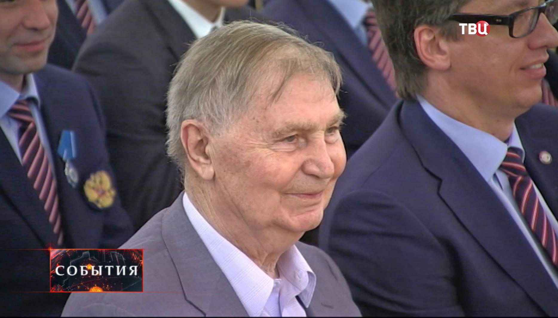 Хоккеист и тренер Виктор Тихонов
