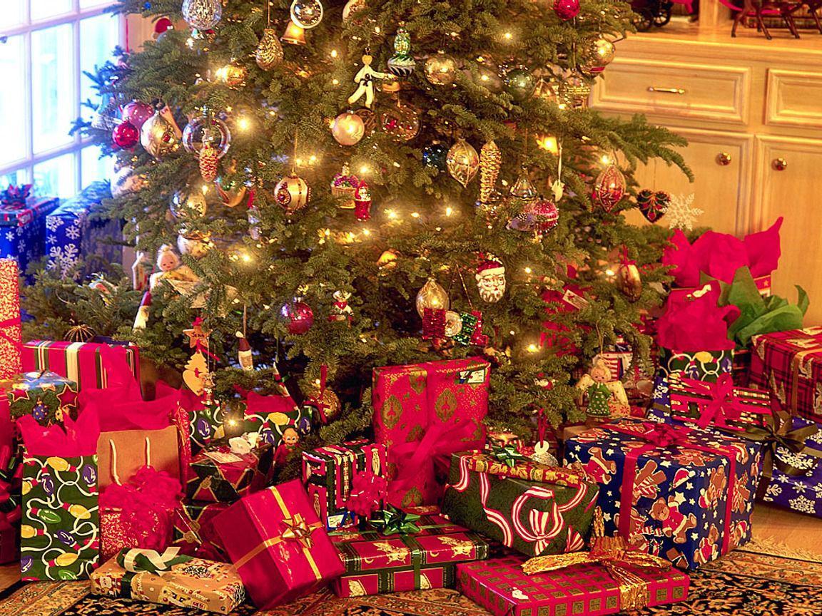 удобная картинки новый год и елка подарки окрашивание