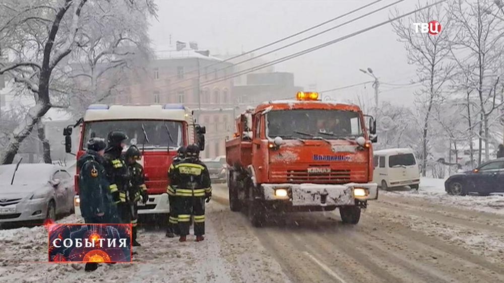 Устранение последствий сильного снегопада