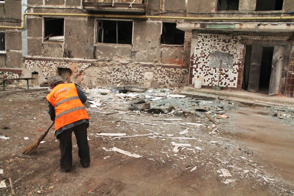 Последствия обстрела жилых районов Новороссии украинскими силовиками