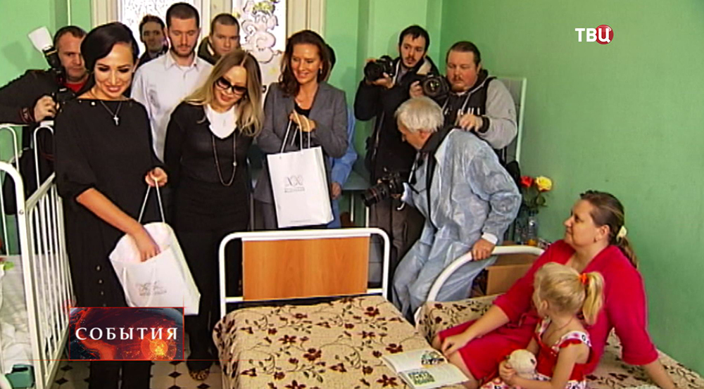 Актриса Орнелла Мути посетила Морозовскую детскую больницу