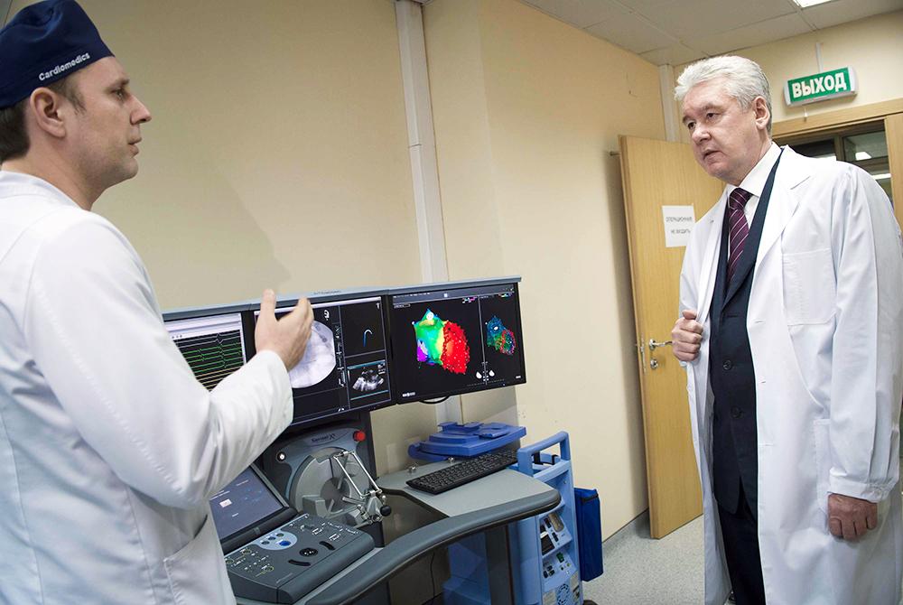 Мэр Москвы Сергей Собянин посетил обновленную больницу