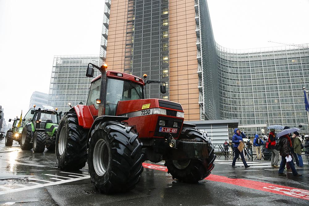 Бельгийские фермеры блокировали подъезды к зданию Совета министров ЕС