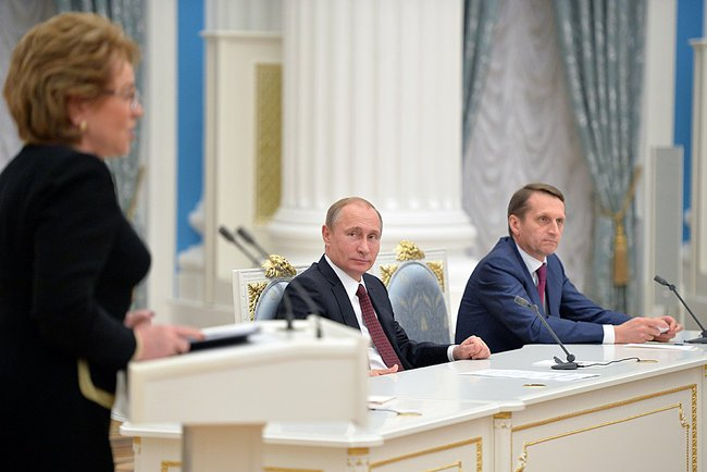 Валентина Матвиенко, Владимир Путин и Сергей Нарышкин (слева направо)