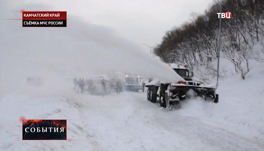 Ликвидация последствий снегопада в Камчатком крае