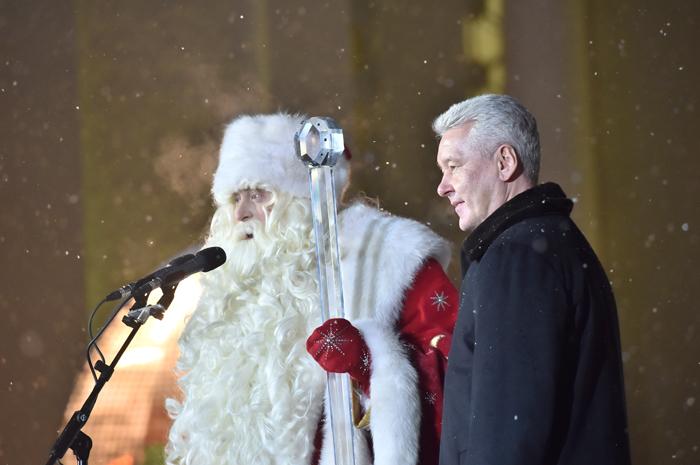В Москву прибыл главный Дед Мороз страны