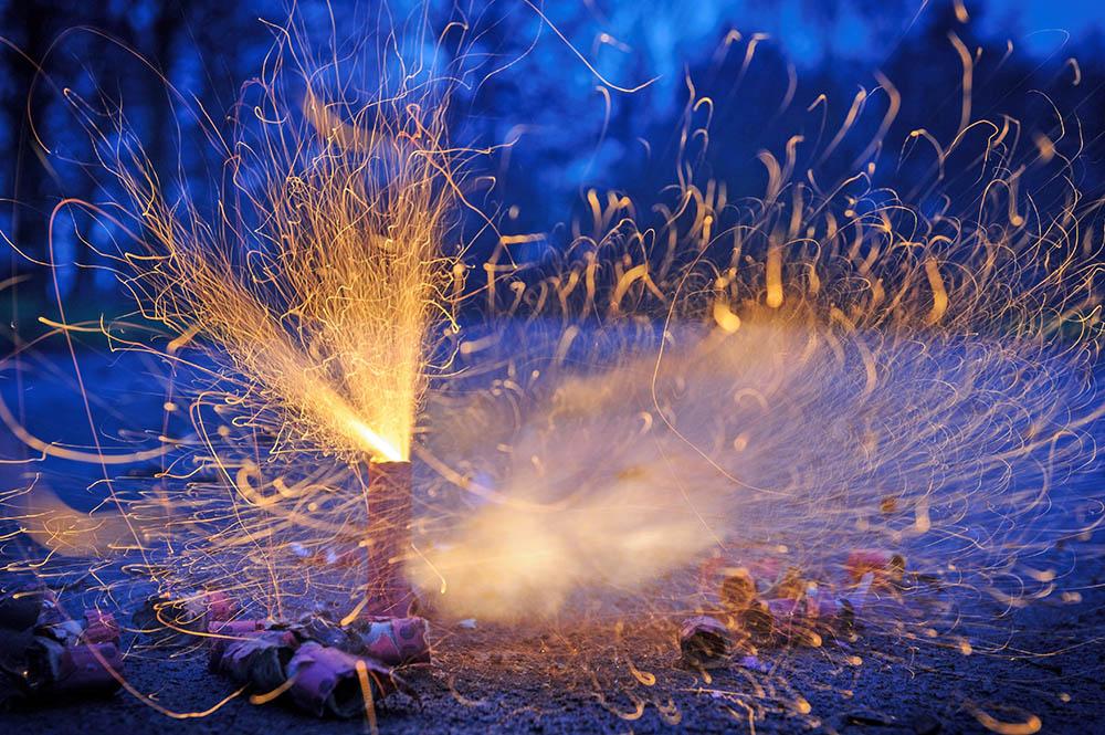 Взрыв петарды