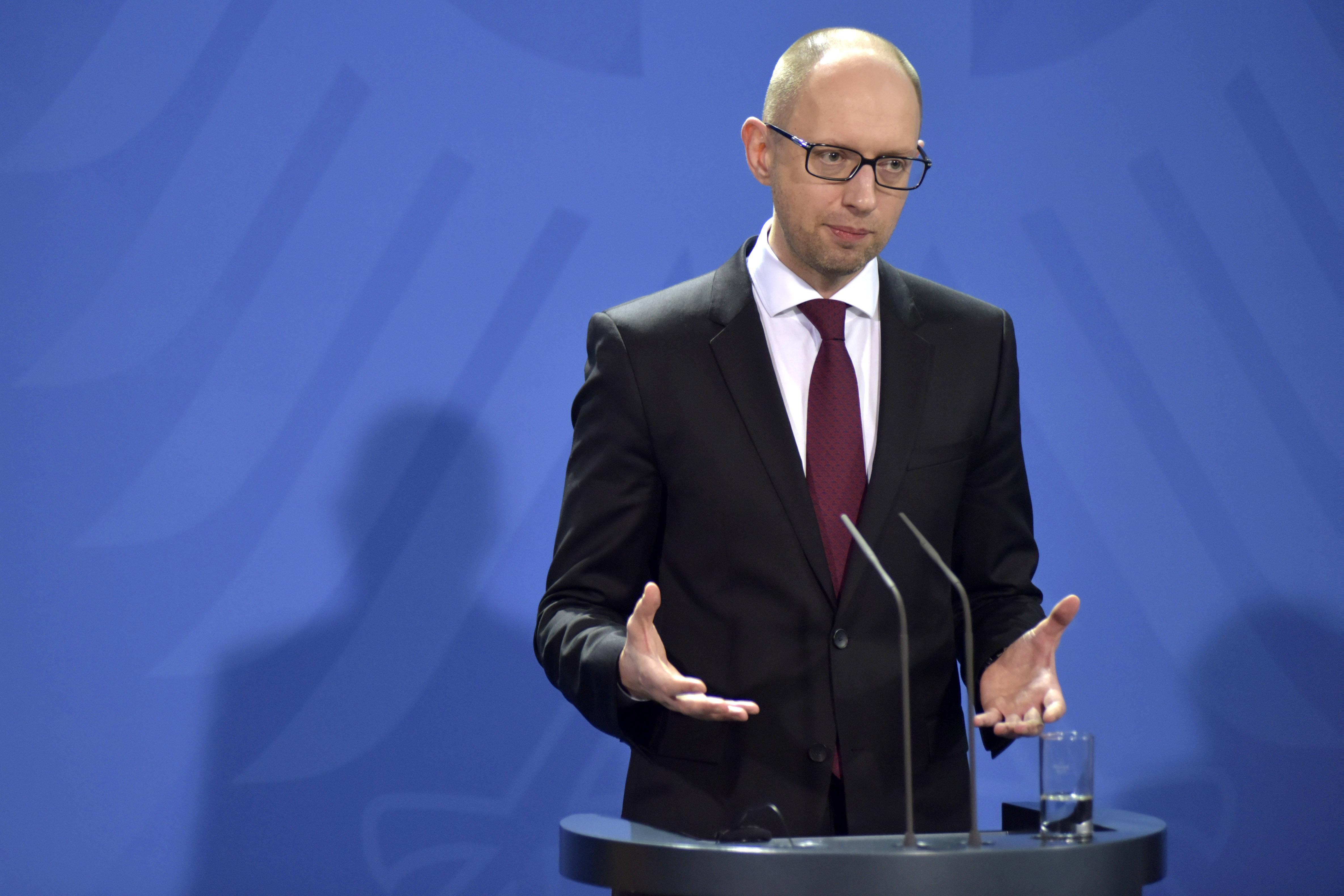 Арсений Яценюк во время пресс-конференции в Берлине