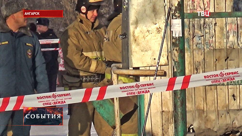 Экстренные службы на месте взрыва в Ангарске
